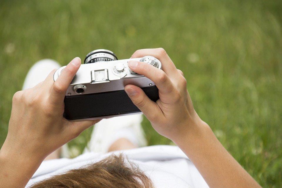 aprenda-maneira-objetiva-30-termos-usados-linguagem-fotografia-capa-blog-emania-23-09