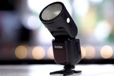 Review: Godox V1 - O Melhor Flash Round-Head para suas Fotografias