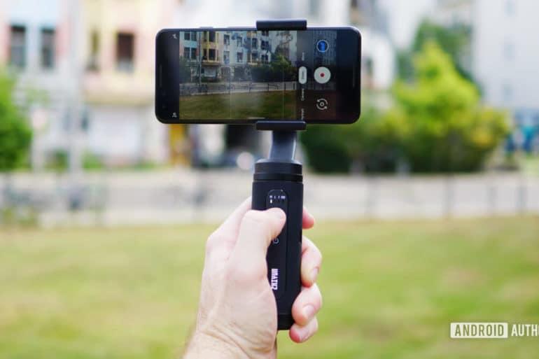 Review Gimbal Zhiyun Smooth-Q2 para SmartPhones: Ótimo Gimbal de viagem perfeito para usar seu Celular