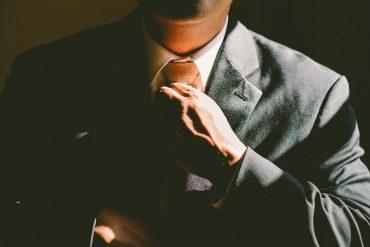dicas-importantes-e-valiosas-de-pose-masculina-para-fotografia-Blog-eMania